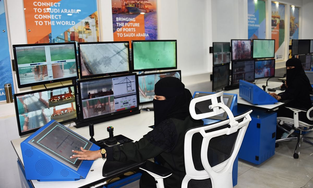 Hutchison Ports Dammam Innovates with Female Crane Operators