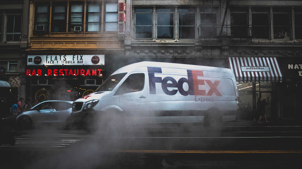 FedEx Dumps Client Amazon in Bid to Become Rival