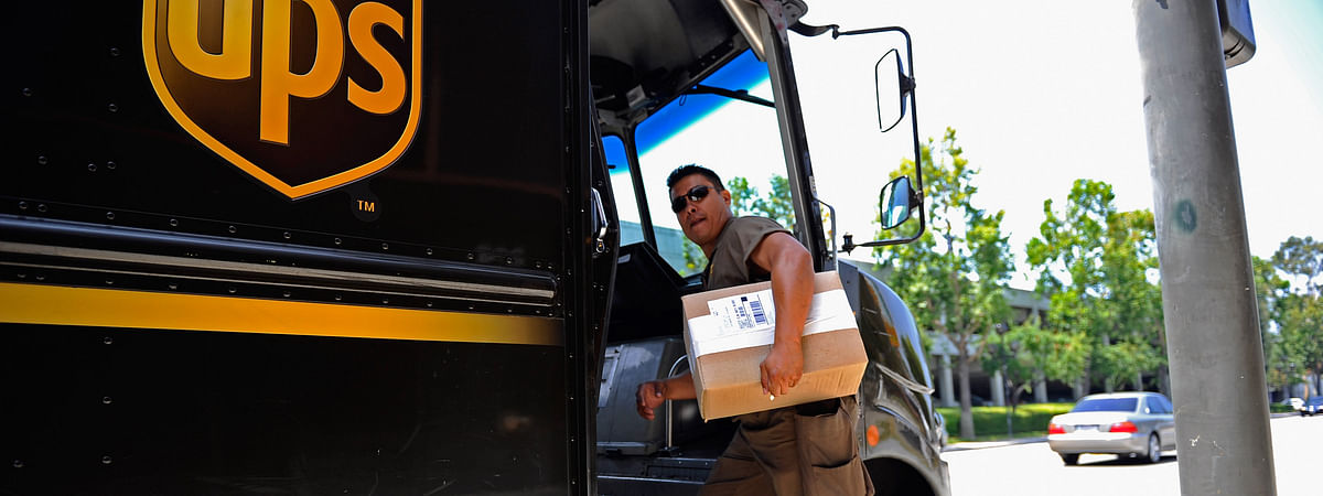 UPS to Hire About 100,000 for US Holiday Season