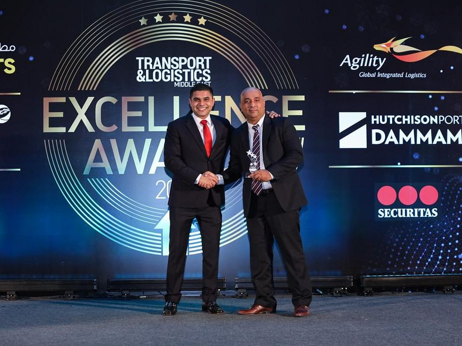 Trukkin Bags Road Transporter of the Year Award