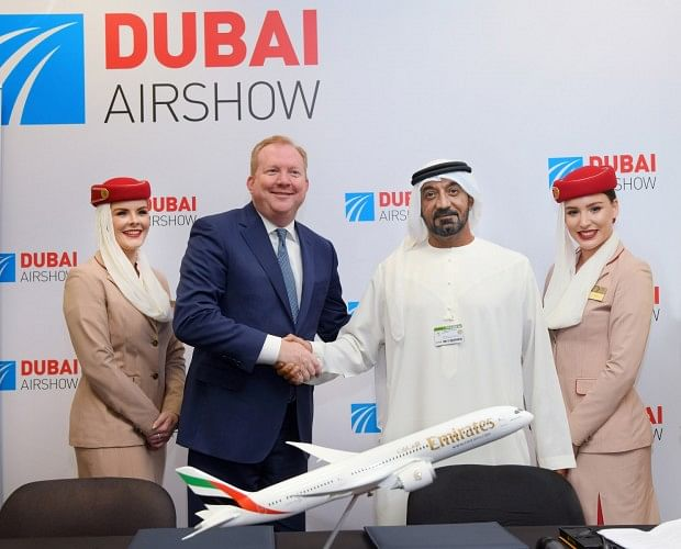 HH Sheikh Ahmed bin Saeed Al Maktoum, Emirates Chairman and Chief Executive, signed the agreement with Stanley Deal, President and Chief Executive Officer for Boeing Commercial Airplanes.