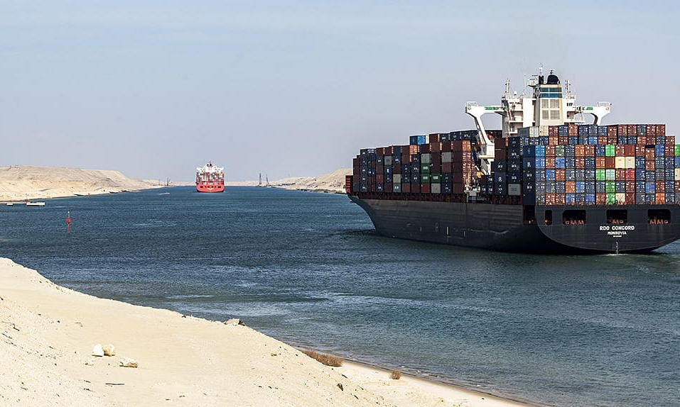 Suez Canal Authority Makes Big Cuts in Transit Charges