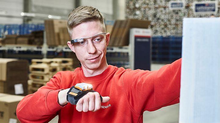 DB Schenker Implements Smart Picking Glasses for Warehouse Logistics