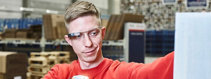 DB Schenker Implements Smart Picking Glasses for Warehouse Logistics