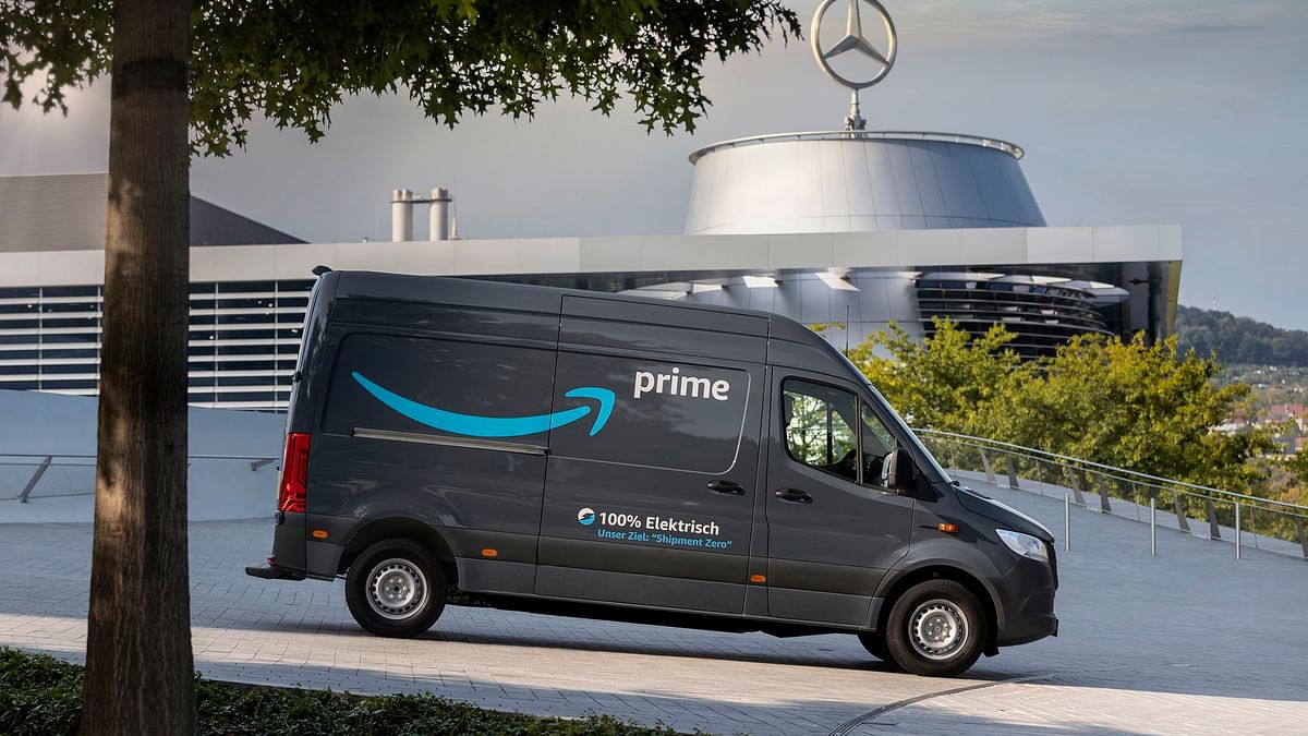 Amazon Orders 1,800 Electric Vehicles from Mercedes-Benz Vans