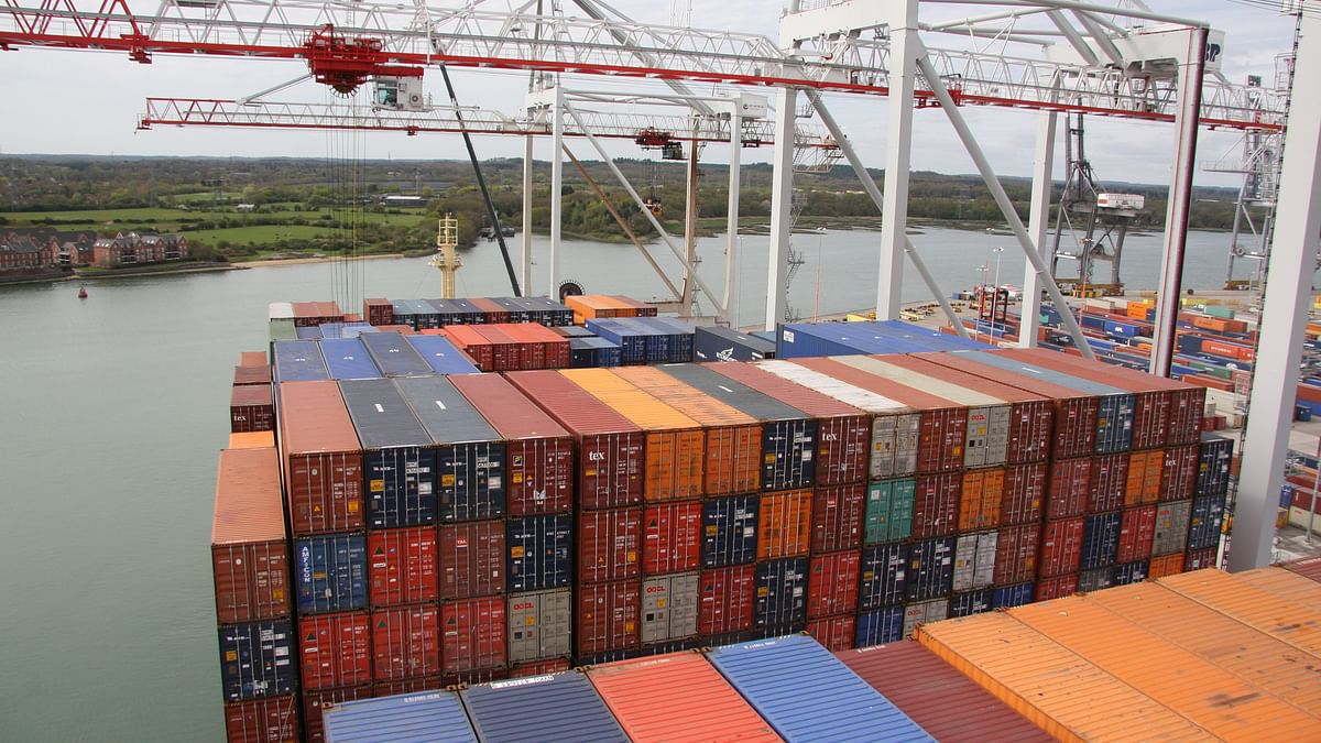 Container Transshipment Ports See Heavy September Cargo Rollovers