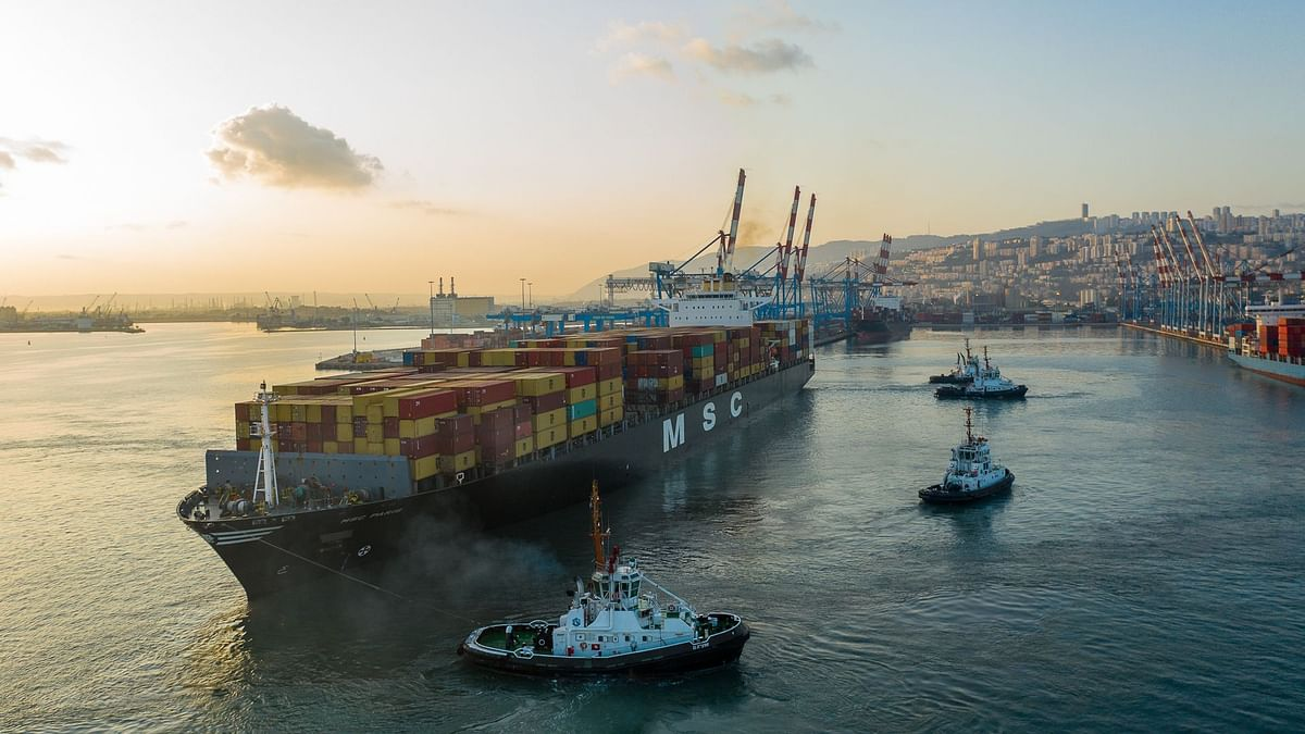 In Historic First Cargo from Dubai Arrives at Haifa