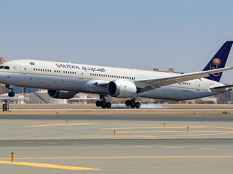 SAUDIA Receives Fifth Boeing 787-10