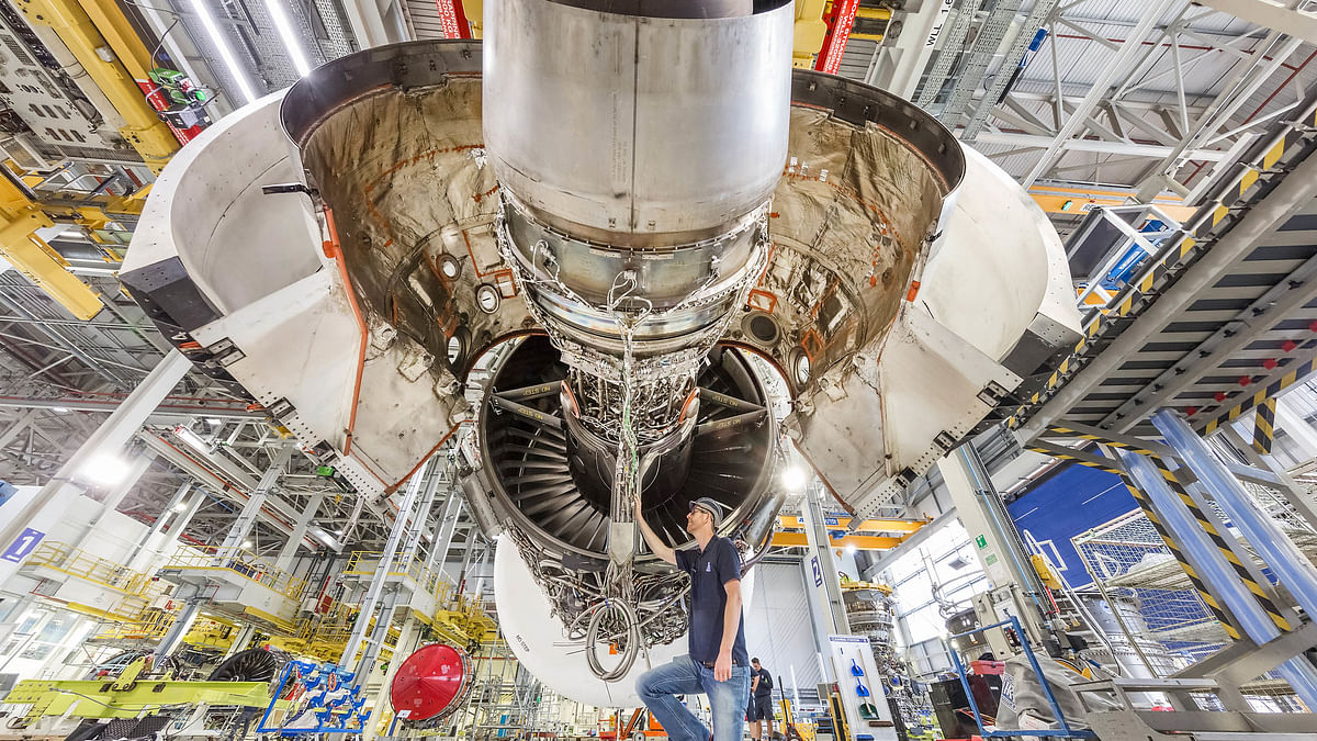 Rolls-Royce to Test 100% Sustainable Aviation Fuel
