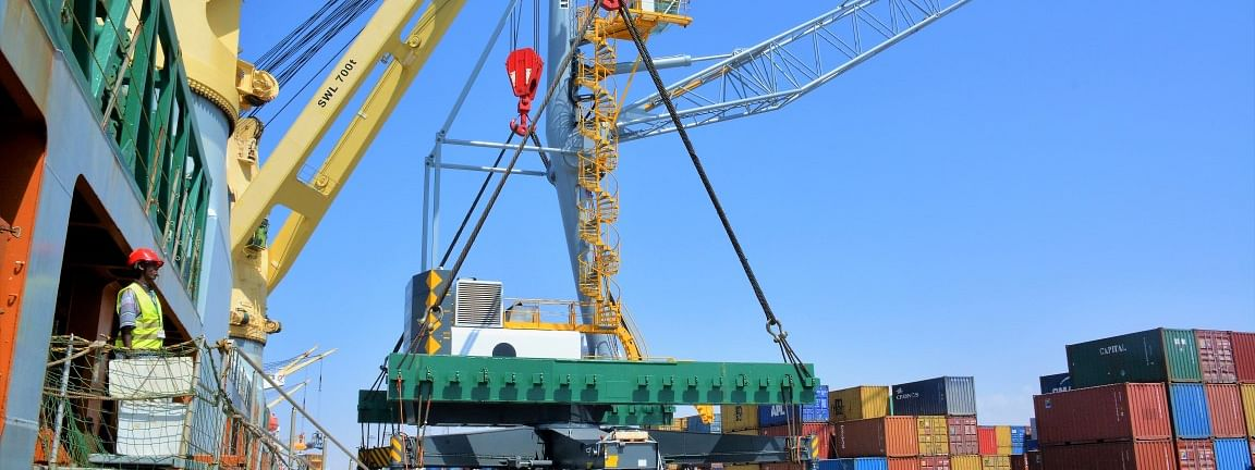 DP World Welcomes 3 New STS Cranes at Berbera Port