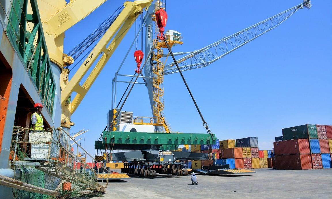DP World Welcomes 3 New STS Cranes at Berbera Port