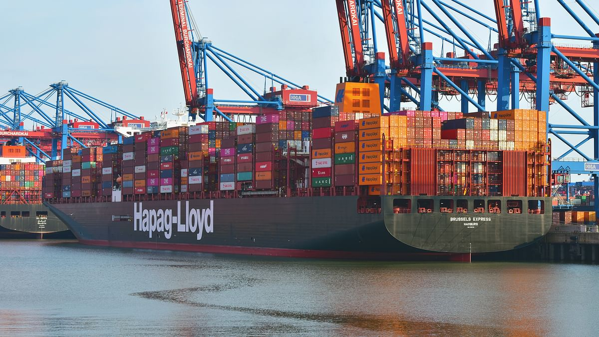 World's First Large Container Ship Converted to LNG Arrives in Hamburg