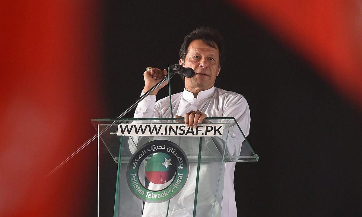 पाकिस्तान की अर्थव्यवस्था को पटरी पर लाने के लिए प्रधानमंत्री इमरान खान ने निकाली नई तरकीब।
