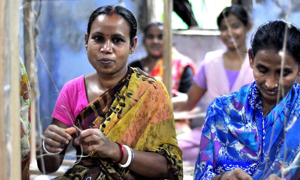 मोदी राज में नहीं बदली भारत की दशा, आज भी देश में 92% महिलायें 10 हजार रुपये से कम में गुजरा करने को मजबुर- रिपोर्ट