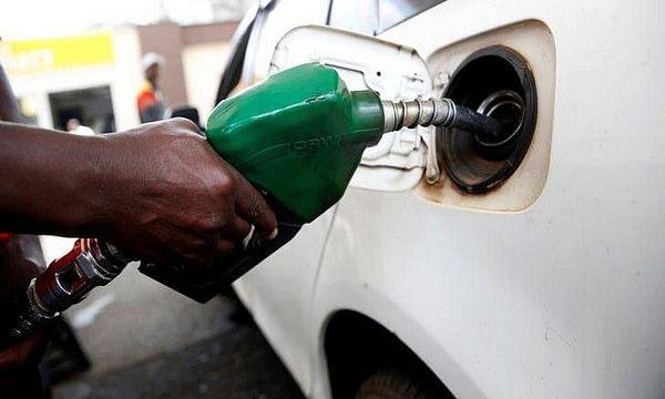 तेल का खेल: दिल्ली में डीजल का दाम रिकॉर्ड ऊंचाई पर, पेट्रोल स्थिर