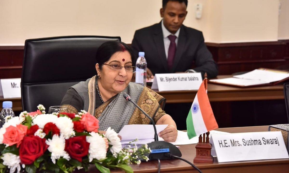 आतंकवाद और बातचीत एक साथ नहीं, भारत सार्क सम्मलेन में शामिल नहीं होगा - सुषमा स्वराज