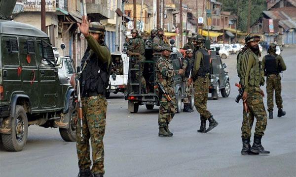 आतंकवादी हमले में 4 पुलिसकर्मी शहीद