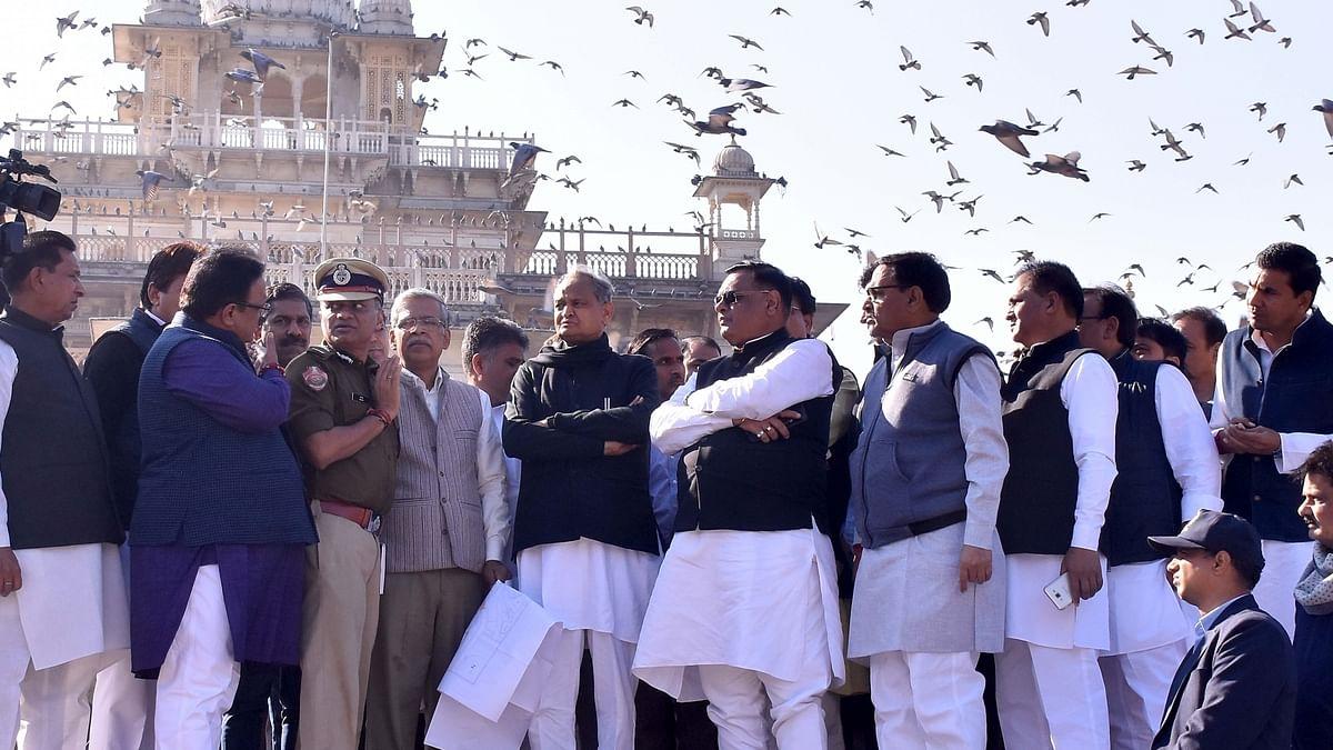 Rajasthan: अशोक गहलोत ने ली मुख्यमंत्री पद की शपथ, सचिन पायलट बनाये गए उपमुख्यमंत्री