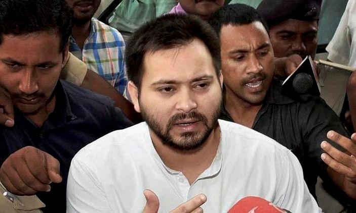 तेजस्वी का नीतीश पर प्रहार कहा: मौनी बाबा और ढोंगी बाबा की जोड़ी ने बिहार में अपराध की हदें पार कर दी