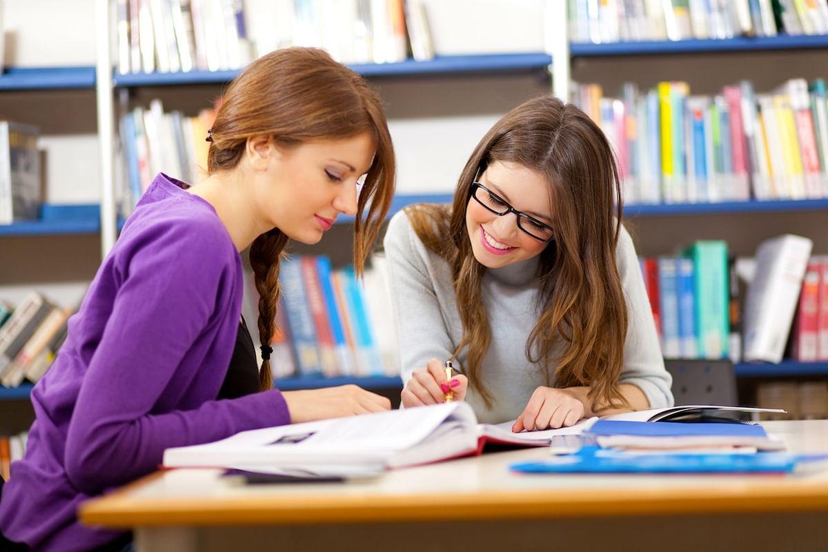 डेट्स की चिंता छोड़ कर पढाई में जुटे