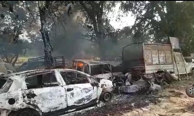 बुलंदशहर हिंसा : बदले गए दो नाकाम पुलिस अधिकारी, आरोपी योगेश राज अब भी फरार