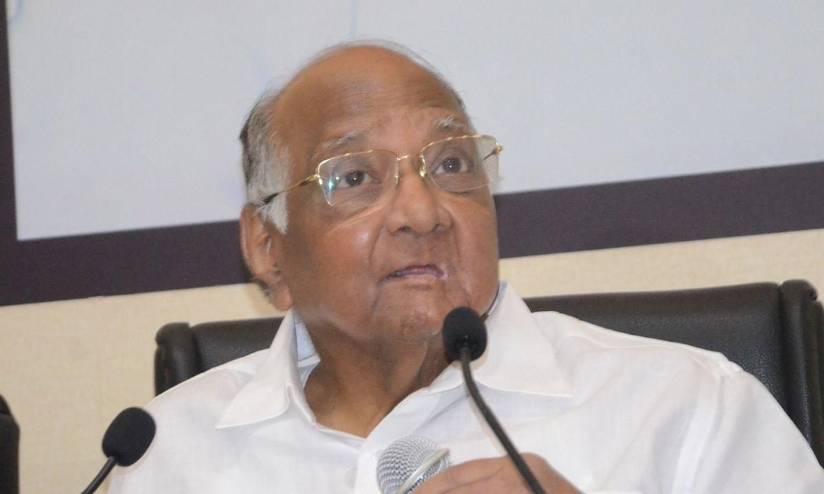 """""""जब राहुल गांधी ने खुद ही संकेत दे दिया है कि वह प्रधानमंत्री पद की दौड़ में नहीं हैं, तो मीडिया इतना चिंतित क्यों है?"""" - शरद पवार"""