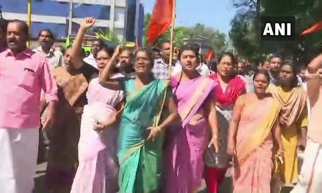 सबरीमाला मंदिर में महिलाओं की एंट्री के बाद शुरू हुआ प्रदर्शन, बीजेपी कार्यकर्ताओं ने  किया केरल बंद का समर्थन, 1 कार्यकर्त्ता की मौत