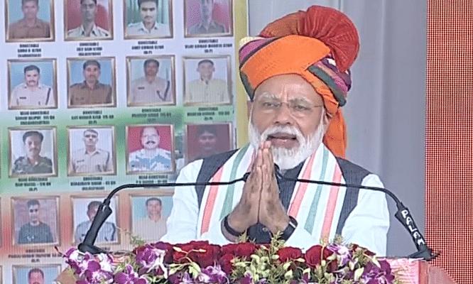 PM Modi Live: सौगंध मुझे है इस मिट्टी की मैं देश नहीं रुकने दूंगा, मैं देश नहीं झुकने दूंगा