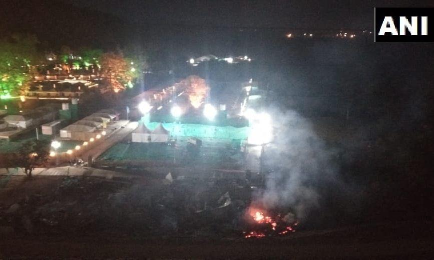 स्टैच्यू ऑफ यूनिटी के पास टेंट में लगाई आग, 500 टूरिस्ट मौजूद थे टेंट में
