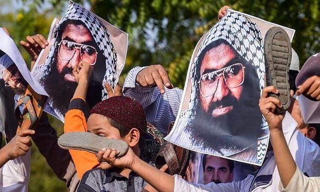 हर बात पर एटम बम की धमकी देने वाले पाकिस्तान का ये   है, असली चेहरा...!