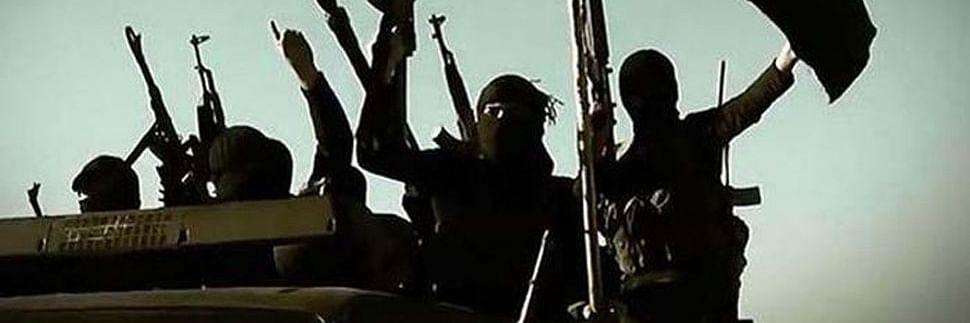 'किसी समय ISIS में शामिल होने के लिए इराक जाने वाला था ये शख्स, पर आज चला रहा है अपनी मोबाइल की दुकान'