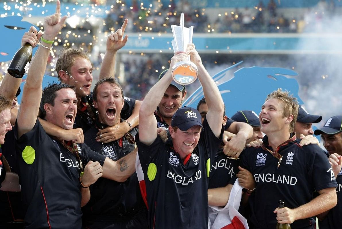 इंग्लैंड : (तीन बार फाइनल)