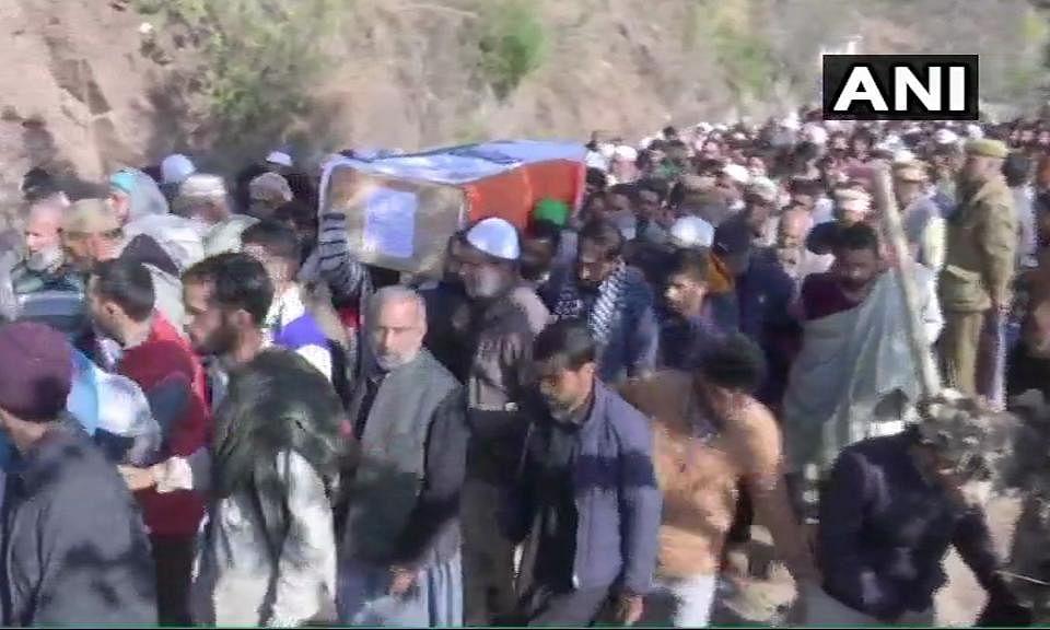 Pulwama Martyrs: जम्मू कश्मीर के राजौरी में फिर हुआ IED ब्लास्ट, धमाके में सेना का मेजर शहीद