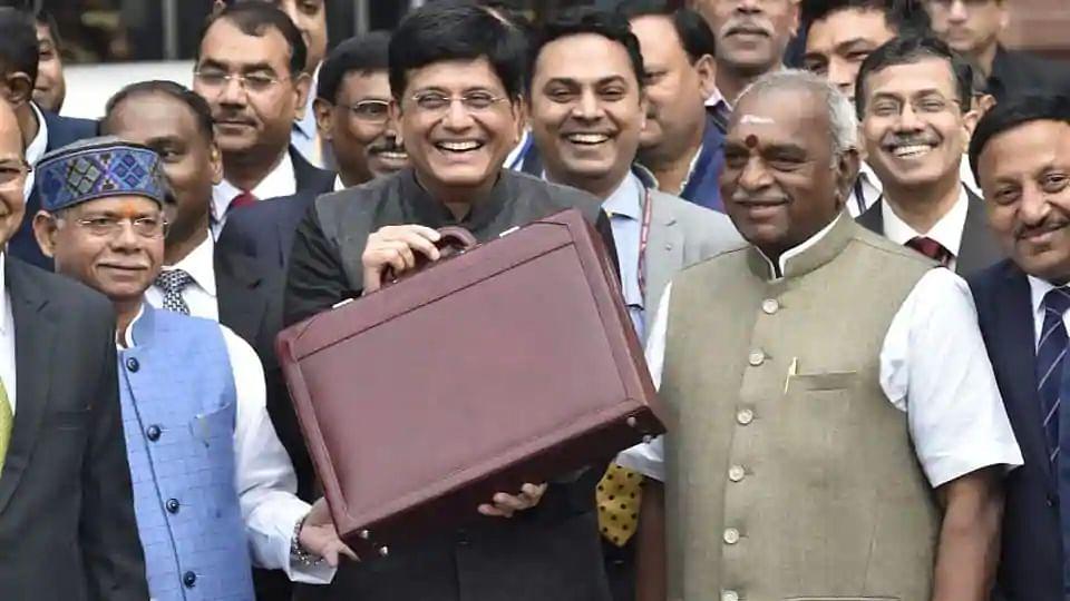 अंतरिम बजट में किसानों के लिए प्रत्यक्ष आय योजना की घोषणा की गई थी।