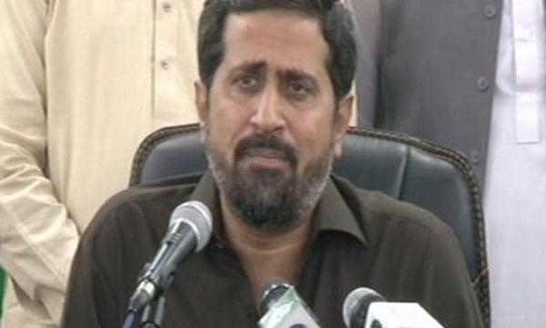 पाकिस्तान आखिर क्यों कर रहा है हिन्दुओं की तरफदारी, हिन्दुओं पर विवादित बयान देने वाले मंत्री की कुर्सी छिनी
