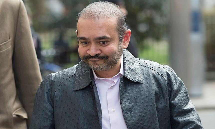 Video में देखें, कैसे भेष बदल कर लंदन की सड़कों पर सरेआम घूम रहा है नीरव मोदी