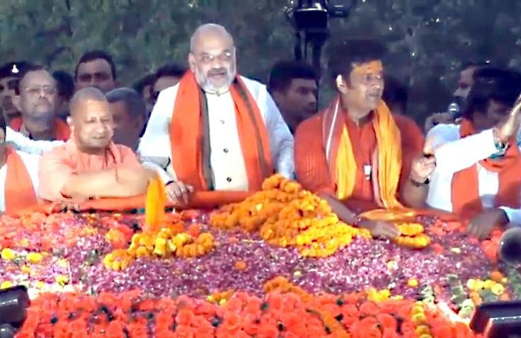 pragya thakur and narendra modi