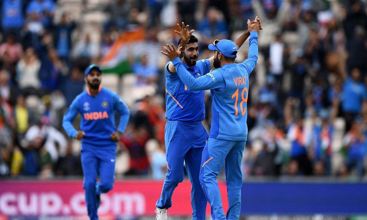India vs South Africa: रोहित शर्मा ने लगाया शतक, 6 विकेट से जीता भारत