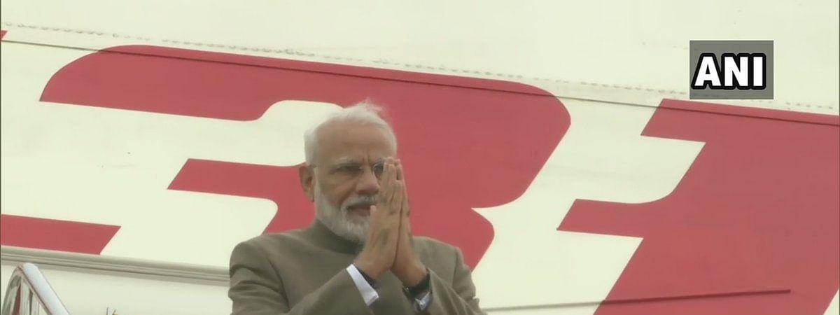 भारत वापस लौटे पीएम मोदी