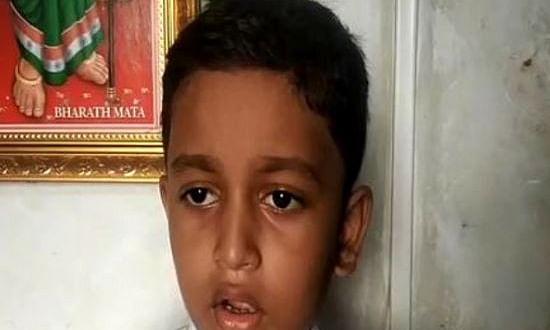 पहली कक्षा के एक छात्र ने लगाया जय श्री राम का नारा, शिक्षक ने धर के कूट दिया