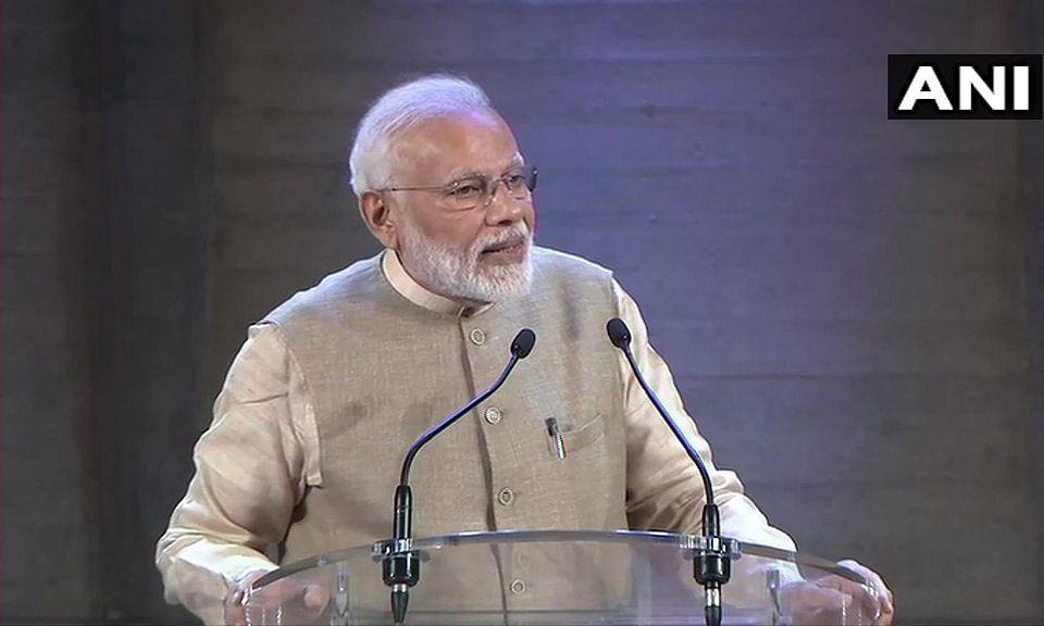 फ्रांस में बोले पीएम मोदी 'भारत में अब टेम्पररी कुछ भी नहीं' लोग बोले 'मोदी है तो मुमकिन है'