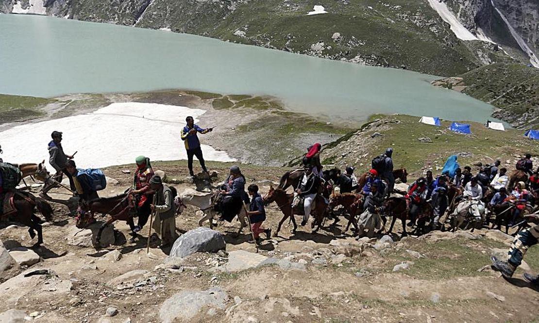 जम्मू-कश्मीर से अमरनाथ यात्रियों और पर्यटकों को बाहर निकलने की एडवाइजरी जारी