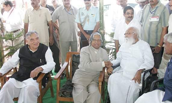 नानाजी देशमुख के साथ पूर्व राष्ट्रपति ए पी जे अब्दुल कलाम