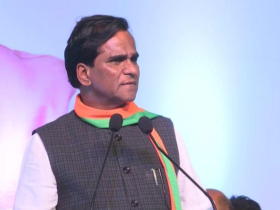 बीजेपी के इस बड़े नेता ने उड़ाया अपनी ही पार्टी का मजाक 'कहा बीजेपी के पास नेताओं को साफ करने की मशीन'
