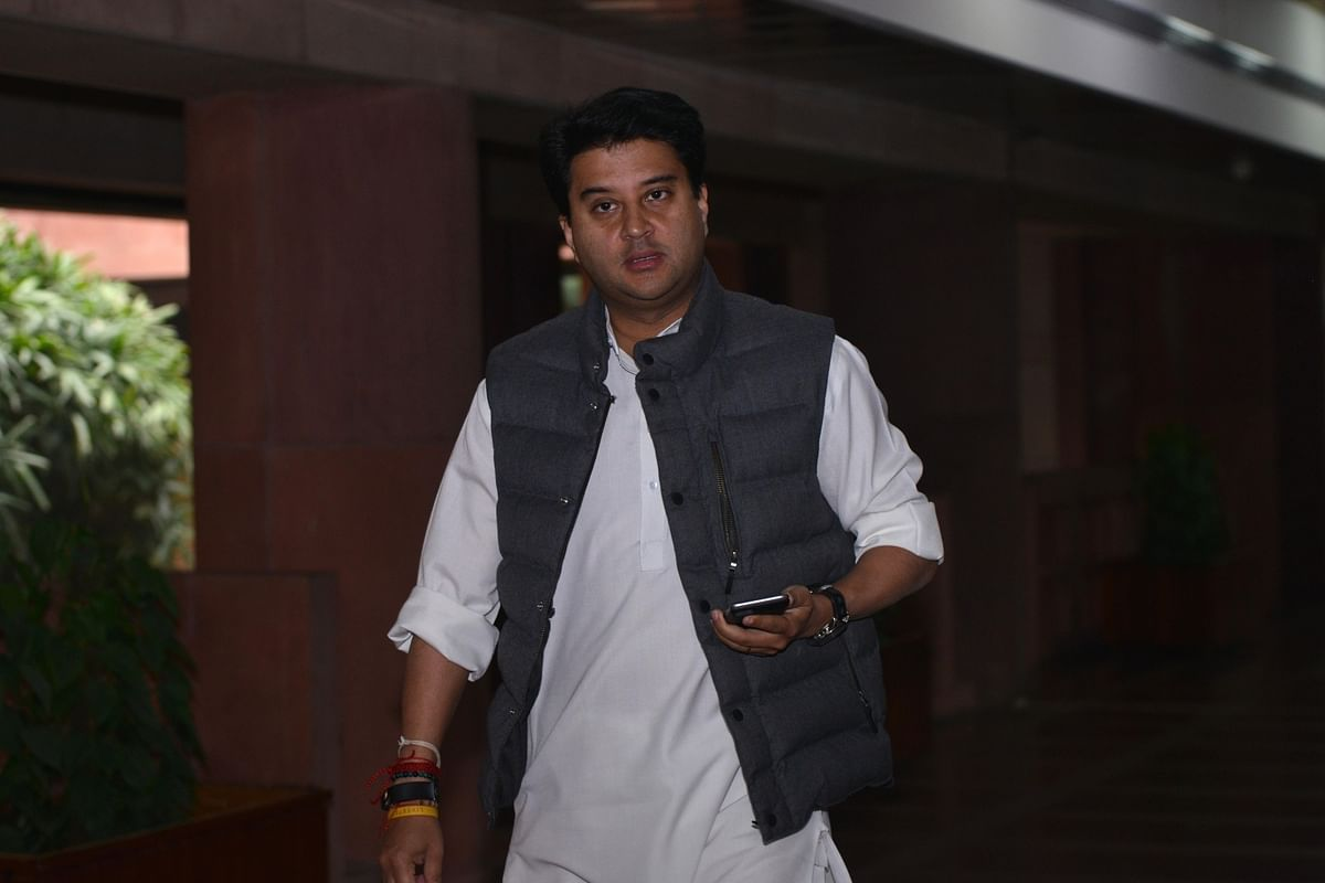 jyotiraditya scindia may join bjp