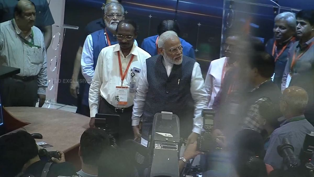 PM Modi motivates scientists