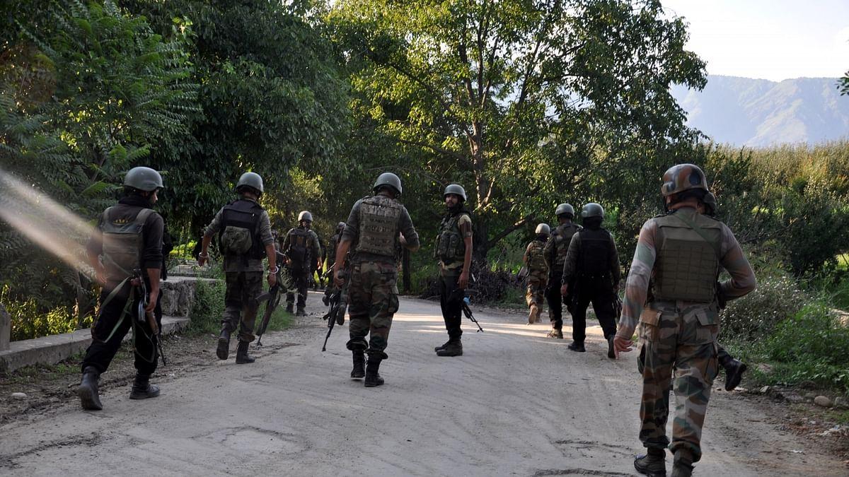 कश्मीर के अनंतनाग में ग्रेनेड हमला, 14 घायल, 1 की हालत गंभीर