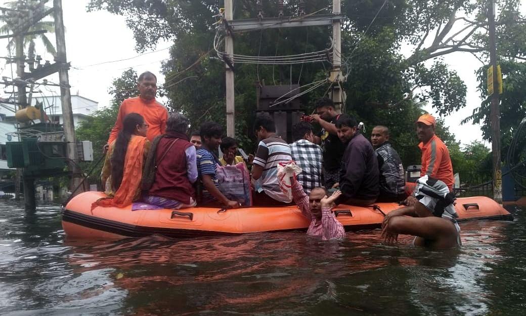 बिहार : पटना में बारिश रुकने के बाद राहत और बचाव कार्य तेज