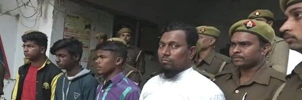 कुशीनगर मस्जिद ब्लास्ट मामले में जांच अधिकारियों की उड़ी नींद , जांच में सांमने आया पूर्व मेजर का नाम