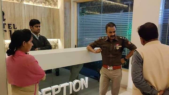 महिला सुरक्षा के लिए हरदोई पुलिस तत्पर, अकेली महिला के रात में खड़े होने की वजह से उठाया कदम